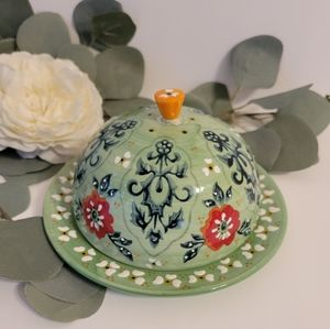 Anthropologie Dome ceramic  floral butter dish